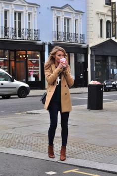 Para los días nublados, saca tus ankle boots cafés