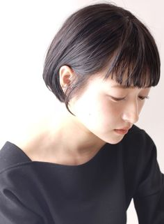 Pin on 可愛い Pin on 可愛い Girl Short Hair, Short Hair Cuts, Short Hair Styles, Short Hairstyles For Women, Cool Hairstyles, Androgynous Haircut, Bob Hair Color, Hair In The Wind, Stylish Haircuts