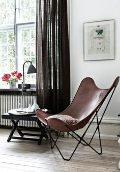 This bohemian chic apartment in Copenhagen, Denmark, is the home of fashion designer Michala Wiesneck.