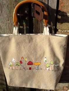 Image result for free motion embroidery Freehand Machine Embroidery, Free Motion Embroidery, Machine Embroidery Projects, Machine Embroidery Patterns, Embroidery Stitches, Origami Bag, Swedish Weaving, Diy Purse, Sewing Appliques