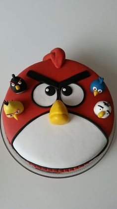 Homemade by MI: Markuksen Angry Bird - kakku