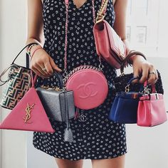 (Fashionismo) – Outfit Inspiration & Ideas for All Occasions Luxury Purses, Luxury Bags, Ysl, Louis Vuitton Speedy Bag, Clutch Wallet, Fashion Bags, Fashion Usa, Purses And Handbags, Clutches