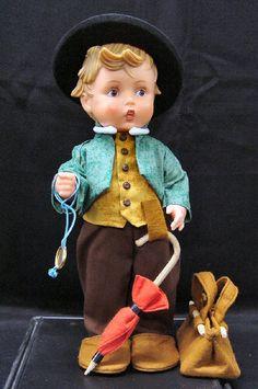 did not know Hummel had dolls. Old Dolls, Antique Dolls, Vintage Dolls, Tinkerbell Pumpkin, Goebel Figurines, Kitsch, Holly Hobbie, Heart For Kids, Boy Doll