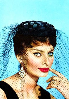Sophia Loren the muse for Dolce and Gabbana's recent collection ?