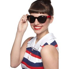 ModCloth Vintage Inspired Hollywood Haute Sunglasses