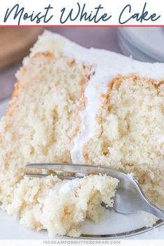 This super moist white cake recipe from scratch is the best white cake I've ever had. It's made with sour cream and has a soft and moist texture. Perfect for weddings and birthdays. Sour Cream Cake Recipe From Scratch, Almond Sour Cream Cake Recipe, Chocolate Cake From Scratch, Cake Recipes From Scratch, White Sheet Cakes, Vanilla Sheet Cakes, White Velvet Cakes, Moist Vanilla Cake, Homemade White Cakes
