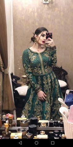 Aiman khan dress Shadi Dresses, Pakistani Formal Dresses, Pakistani Fashion Party Wear, Indian Fashion Dresses, Pakistani Dress Design, Pakistani Outfits, Net Dresses, Bollywood Fashion, Long Dresses