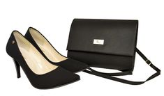 Wygodne czarne czółenka Roseti na szpilce. Polskie zamszowe szpilki i czarna torebka Pumps, Heels, Chanel, Fashion, Heel, Moda, Fashion Styles, Court Shoes, Shoes Heels