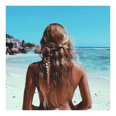 """Hair #goals via @madelinejoyrelph #bikinibird"""