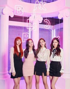 Your source of news on YG's biggest girl group, BLACKPINK! Kpop Girl Groups, Korean Girl Groups, Kpop Girls, Divas, Blackpink Fashion, Korean Fashion, K Pop, Girls Generation, Square Two