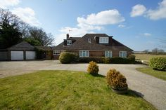 Caprice Guest House, Ifield, Crawley, West Sussex, England. Bed and Breakfast. Holiday. Travel. Guesthouse. Gatwick Airport. Countryside. Accommodation.