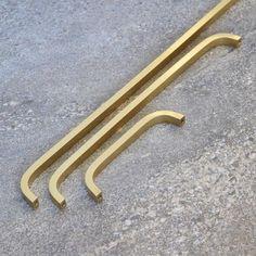 Modern Solid Brass Gold Long Pull Bar Handles For Doors Cabinets Cupboards Drawers Black Door Handles, Brass Handles, Drawer Handles, Pull Handles, Kitchen Cupboard Handles, Cupboard Drawers, Kitchen Hardware, Door Pulls, Door Knobs