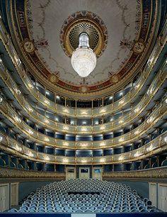 """Praga Stavovské Divadlo (Teatro degli Stati). Vi si tenne la prima del """"Don Giovanni"""" di Mozart (1787)"""