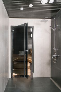 Bathroom Toilets, Laundry In Bathroom, Master Bathroom, Office Interior Design, Interior Design Living Room, Sauna Design, Laundry Room Inspiration, Sauna Room, Spa Rooms