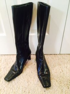 Nine West zip up black leather boot in curacao's Garage Sale in Cheyenne , WY for $25.00. Size 7 1/2, 2 1/2 inch heel.  Excellent condition.