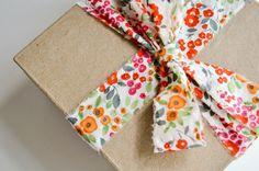 Brown box + fabric ribbon