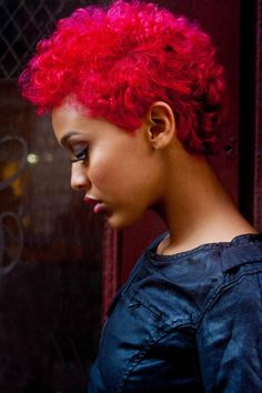 Have you ever thought about dyeing your hair a different color or even reviving your natural hair color. Dye and treat your hair the natural way with no chemicals to damage it natural state. Dyed Natural Hair, Dyed Hair, Natural Red, Natural Curls, Bleached Hair, Cornrows, Curly Hair Styles, Natural Hair Styles, Twa Hairstyles