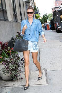 Miranda Kerr - Miranda Kerr Keeps Busy in NYC