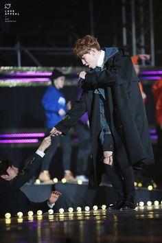 Seoul Music Awards 160114 : Baekhyun and Chanyeol (2/3)