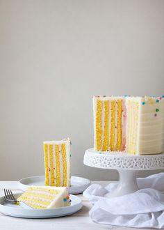 Vertical Stripe Cake - Style Sweet CA