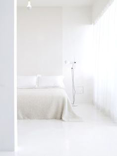 Chambre immaculée minimaliste White bedroom