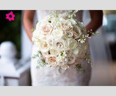 Risultati immagini per bouquet sposa bianco e rosa