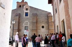 """La asociación """"La Alhóndiga"""" da a conocer el barrio de la Morería de Arévalo en el paseo cultural del mes de junio http://revcyl.com/www/index.php/cultura-y-turismo/item/4000-la-asociaci%C3%B3n-la-alh%C3%B3ndiga-da-a-conocer-el-barrio-de-la-morer%C3%ADa-de-ar%C3%A9valo-en-el-paseo-cultural-del-mes-de-junio"""