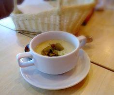 mushroom soup Mushroom Soup, Tea Cups, Stuffed Mushrooms, Food And Drink, Tableware, Stuff Mushrooms, Dinnerware, Tablewares, Dishes
