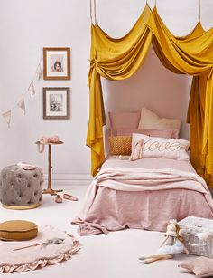 If you are aiming to create a whimsical and magical space that your child can dream, play and sleep in, take inspiration from this adorable royal design. Girl Room, Girls Bedroom, Childs Bedroom, Kid Bedrooms, Child Room, Child Bed, Lego Bedroom, Minecraft Bedroom, Bedroom Furniture
