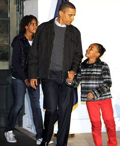 President Barack Obama and Daughters Malia and Sasha