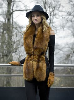 Ginger fur faux fur scarf and tan suede gloves, paired with black fedora hat…
