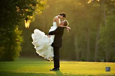 Bride and Groom Photography Ideas and Poses http://linkcamp.blogspot.ca/2013/10/bride-and-groom-photography-ideas-and.html