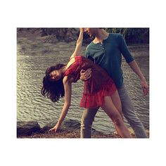 Dancing couple - does dancing together bring you closer?
