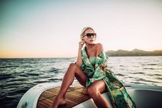 Gorgeous Lifestyle Portrait Phography by André Josselin #inspiration #photography