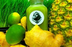 Try Swami Juice - 13 different cold pressed recipes! This is YAUM; Pineapple, sparkling mineral water, lime, ginger, wheatgrass #juicelife #swamirevolution #coldpressedjuice #bocaraton #bocacoldpressedjuice #local #natural #nutritious