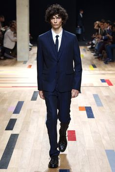 Summer / Collections and fashion shows / Man / Dior official website