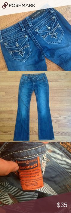 Evelyn rock revival jeans 27 Excellent condition just bought don't fit Rock Revival Jeans Boot Cut