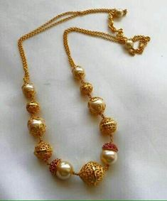 Simple nd sweet India Jewelry, Pearl Jewelry, Antique Jewelry, Beaded Jewelry, Jewelry Necklaces, Jewelry Sets, Gold Necklace Simple, Gold Jewelry Simple, Gold Earrings
