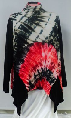 Size XL tie dye top with turle neck pockets by qualicumclothworks