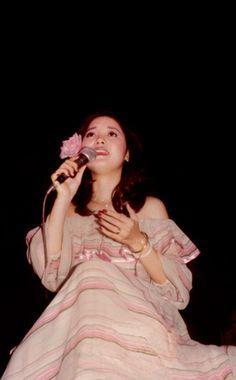 邓丽君1977香港LEE THEATRE演唱会_梦里花落吧_百度贴吧