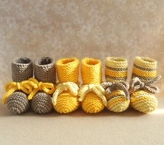 Knit little booties. | 34 Adorable Things To Do With Leftover Bits Of Yarn