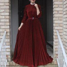 ❤❤❤❤❤❤❤❤❤❤❤❤❤❤❤ @shahad_alqaysi ♡♡♡♡♡♡♡♡ #tesettur#hijabfashion #hijabstyle #hijabbeauty #winter #beautyblogger #hijabstyleicon #beauty #hijab #hijabmurah #hijabinstan #beautiful #hijabmurah #hijabers #hijabtutorial #hijabvideod Hijab Prom Dress, Hijab Evening Dress, Dress Outfits, Evening Dresses, Dress Up, Swag Dress, Dress Shoes, Abaya Fashion, Muslim Fashion