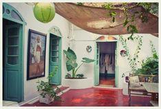 Le Roi Arthur – Cafe and Boutique Goa Decor, Traditional House, Indian Decor, Backyard Decor, Beautiful Homes, Indian Homes, Indian Home Interior, House Construction Plan, Indian Interiors