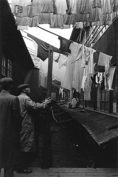 photobook publisher in Tokyo Clothes Lines, Photo Book, Vintage Photos, Tokyo, Laundry, Japan, People, Books, Laundry Room