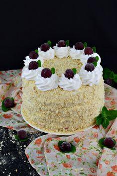 Tort Smantanel cu visine - CAIETUL CU RETETE Yummy Cakes, Vanilla Cake, Diy And Crafts, Food And Drink, Sweets, Desserts, Pies, Tailgate Desserts, Deserts
