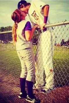 too cute!! <3 Softball Baseball couple! Relationship goal: Enjoying the same things and becoming connected through it