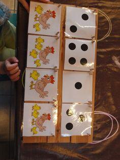 Tellen: Zoek de kip die evenveel kuikens heeft dan het getallenbeeld aangeeft Diy And Crafts, Crafts For Kids, Arts And Crafts, Montessori, Language Lessons, Down On The Farm, Tot School, Easter Party, In Kindergarten