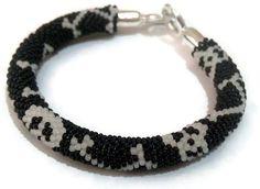 Black  Skull bracelet   Bead crochet bracelet  by SERMINCEJEWELRY