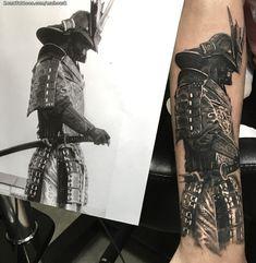 Samurai Warrior Tattoo, Warrior Tattoos, Badass Tattoos, Body Art Tattoos, Tattoos For Guys, Cool Tattoos, Tattoo P, Henna Tattoo Hand, Arm Band Tattoo