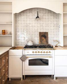 Kitchen Tile, New Kitchen, Kitchen Dining, Kitchen Decor, Home Staging, Beautiful Kitchens, Cheap Home Decor, Home Decor Inspiration, Home Remodeling